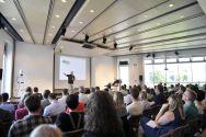 Einer der Höhepunkte am Tag der Lehre: der Vortrag von Professor Jürgen Handke über die digitale Lehre. Foto: Ernst