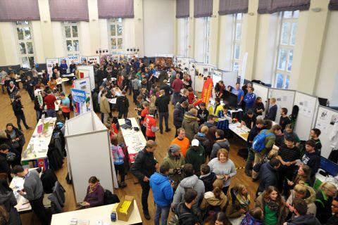 International, kulturell und sportlich präsentierte sich die TU Clausthal auf der TUC-Start-Messe. Foto: Ernst