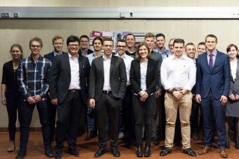 Im Consulting-Team engagieren sich Studierende aus Clausthal und Göttingen gemeinsam, 1. Vorsitzender des Vereins ist Florian Vetter (4. von links), der im Oberharz Verfahrenstechnik studiert. Foto: CT