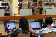 Kiron-Studierende beginnen mit einem Online-Studium über mehrere Semester und wechseln später an eine Präsenz-Universität, beispielsweise an die TU Clausthal, um dort ihren Abschluss zu machen.  Foto: Möldner