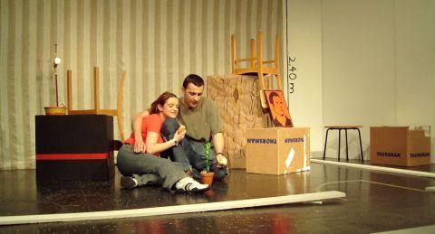 Szene aus L´etage, dem ersten selbst geschriebenen Stück der Theatergruppe der TUC