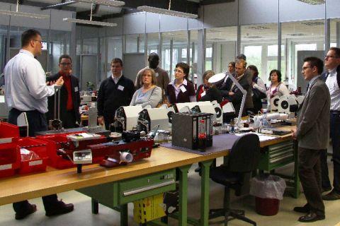 Im Rahmen der Tagung besuchten die Teilnehmer das Pulverhaus, den Firmensitz der in Clausthal-Zellerfeld ansässigen Sympatec GmbH. (Foto: Bohne)