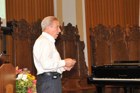 Altrektor Professor Georg Müller trug vor über die Entwicklungsstränge, die zur TU Clausthal führten. Foto: Ernst