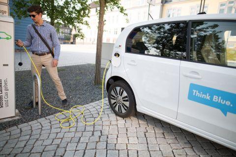 Gerade auch innerhalb der Elektromobilität wird man in Zukunft in besonderem Umfang auf Recycling angewiesen sein. Foto: Kreutzmann