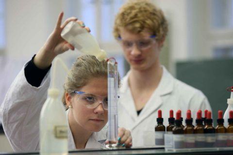 Die Clausthaler Bachelor-Studierenden des Fachs Chemie haben dem Studiengang Bestnoten gegeben. Foto: Möldner