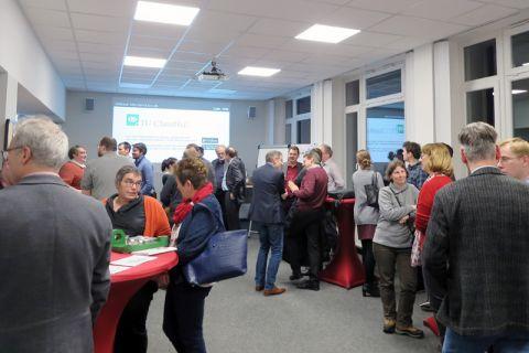 Mit etwa 60 Teilnehmenden war die gemeinsame  Abendveranstaltung des Rechenzentrums und des Zentrums für Hochschuldidaktik gut besucht. Foto: ZHD