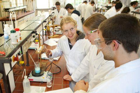 Auch in 2017 finden an der TU Clausthal zahlreiche Aktionen zur Studienorientierung statt, beispielsweise Schüler-Wochenendseminare. Foto: Ernst