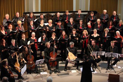Der Kammerchor an der TU Clausthal beim Auftritt in der Aula. Foto: Bertram
