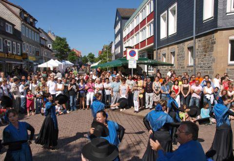 Das multikulturelle Hochschulfest im Rahmen der Hochschulwoche lockte viele Besucher zur TU Clausthal.  (Foto: Hans-Dieter Mueller)