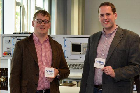 Die Diplom-Ingenieure Johannes Umbach (links) und Raimund Schnieder koordinieren die Aktivitäten der VDE-Hochschulgruppe Clausthal. Foto: VDE