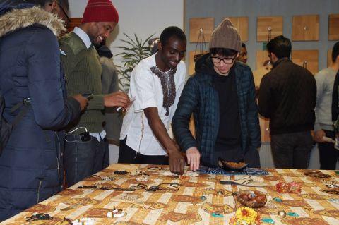 Während der Kamerunischen Kulturwoche präsentieren die Clausthaler Studierenden aus dem zentralafrikanischen Land ihre Kultur und Lebensart. Foto: Hoffmann