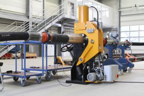 In der sogenannten Flow Loop werden in waagerechter Bohrführung experimentelle Untersuchungen bzw. Messungen an Modulen neu entwickelter Untertage-Bohrsysteme durchgeführt. Foto: Koppe