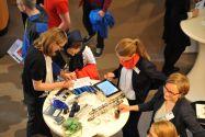 Das persönliche Gespräch ist nach wie vor zentrales Element der Clausthaler Karrieremesse. Foto: Ernst