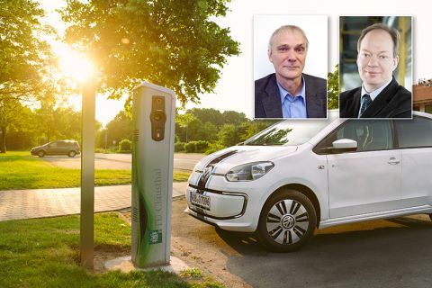 Verbundprojektleiter Professor Michael Sievers (Porträt rechts), Professor Ulrich Kunz und Partner entwickelten die bio-elektrochemische Brennstoffzelle. Mit Strom, der aus Abwasser gewonnen wird, könnten künftig E-Autos betrieben werden. Fotos: C.K, piv.