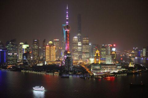 Die Hafenstadt Shanghai mit ihrer imposanten Skyline ist die Heimat der Tongji-Universität. Die Metropole ist eine der Stationen, die die Clausthaler Delegation im Rahmen ihrer China-Reise besucht. Foto: Nds. Staatskanzlei