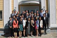 Nachwuchswissenschaftler der Sichuan University vor der Aula der TU Clausthal.