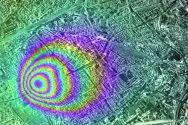 Illustration einer radarinterferometrisch (Fernerkundungsverfahren mittels Radartechnologie) gemessenen Bodensenkung. Grafik: Knospe