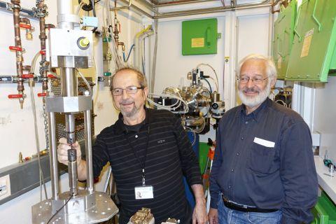 Forschen zusammen: Professor Raul Bolmaro (links) von der Universität Rosario und Professor Heinz-Günter Brokmeier (TU Clausthal). Foto: privat