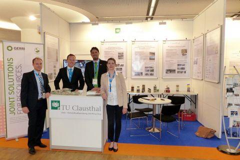 Das Forscherteam der TU Clausthal auf der Messe in München. Foto: Institut