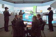 Teamarbeit zur Digitalen Fabrik am Institut für Maschinelle Anlagentechnik und Betriebsfestigkeit. Foto: Hoffmann