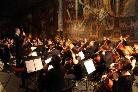 Wie im vergangenen Jahr gibt das NTH-Sinfonieorchester unter der Leitung des Dirigenten Rainer Klugkist auch in diesem Jahr ein Konzert in der Goslarer Kaiserpfalz. Foto: Bertram
