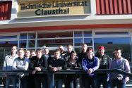 Absolvierten eine erfolgreiche Lehre an der TU: die Facharbeiterinnen und Facharbeiter, die Anfang 2011 ihre Prüfungen bestanden haben.