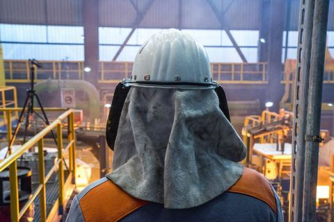 Die Pilotanlage für das neue Bandgießverfahren, das am Institut für Metallurgie der TU Clausthal entwickelt wurde, zieht die Blicke auf sich. Foto: Ansgar Pudenz