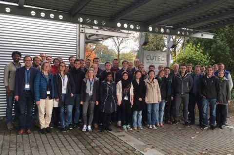 Die Teilnehmenden der 10. Niedersächsischen Summer School diskutierten über Chancen und Herausforderungen der Batterie- und Brennstoffzellentechnologie. Foto: Bertram