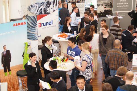 Anlaufpunkt für viele Studierende: die Karrieremesse der TU Clausthal. Foto: Ernst