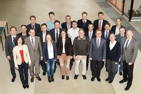 Die Teilnehmer der NAGA-Gründungssitzung am 23. Februar 2016. Foto: PTB