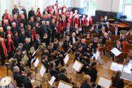 Das Orchester der TU Clausthal tritt gemeinsam mit dem Gemischten Chor Hannover-Döhren auf.