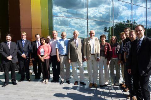 Mitarbeiter des Forschungsverbundes Smart Microgrids im Landeszentrum für Erneuerbare Energien in Neustrelitz.