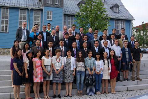 Die Gäste aus Asien mit zahlreichen Clausthaler Wissenschaftlern und Uni-Beschäftigten, die sich in die Weiterbildung der Delegation einbrachten.