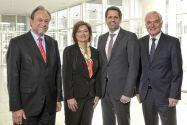 Professor Thomas Hanschke (links) und Dr. Susanne Schmitt bilden die neue Vorstandsspitze, daneben Wirtschaftsminister Olaf Lies (2.v.r) und der bisherige Vorsitzende Michael Koch, der turnusgemäß aus dem Vorstand ausschied. Foto: INN