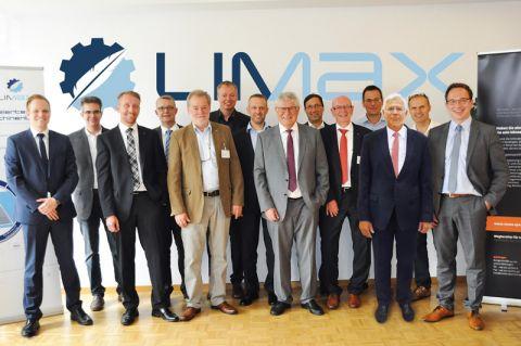 Um das Thema Leichtbau im Maschinenbau voranzutreiben, haben Vertreter aus Wirtschaft und Wissenschaft, darunter die Clausthaler Professoren Dieter Meiners und Volker Wesling, den Verein LIMAX gegründet. Foto: innos-Sperlich GmbH