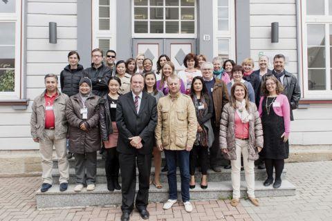 Teilnehmende und Ausrichtende der International Staff Training Week. Foto: IZC