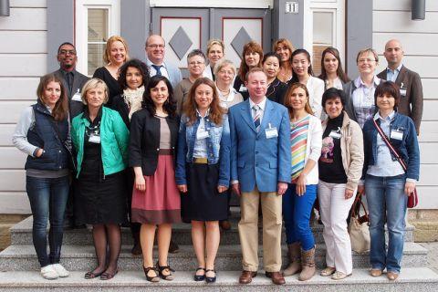 """Teilnehmer und Veranstalter der """"International Staff Training Week"""". Foto: Ernst"""