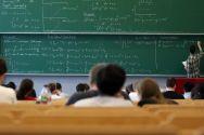 Fast überall steckt heutzutage Mathematik drin: Wer auf diesem Gebiet ein Studium absolviert, hat beste Berufsaussichten. Foto: Möldner
