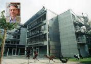 Die Deutsche Forschungsgemeinschaft - hier die DFG-Geschäftsstelle in Bonn - hat eine neue Forschergruppe bewilligt, die unter der Leitung des Clausthaler Professors Thomas Turek (kleines Bild) steht. Fotos: DFG, Wolfering (Portraitbild)