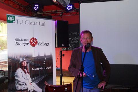 Professor Roland Menges erzählte beim zweiten Steiger-Abend von seinen Erfahrungen in Studium und Beruf: Foto: Hoffmann