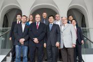 Die Clausthaler Hochschulleitung und weitere TU-Vertreter trafen mit der Delegation der Beihang University um ihren Präsidenten Professor Xu Huibin (vorne, 2. von rechts) zusammen. Foto: Ernst