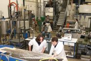 Verfahrensentwicklung am Institut für Aufbereitung, Deponietechnik und Geomechanik der TU Clausthal, um neue Recyclingprojekte voranzubringen. Foto: Ernst