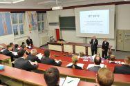 Die Professoren Norbert Müller (TU Clausthal) und Karl-Heinrich Grote (Universität Magdeburg) eröffneten das Kolloquium im Hörsaal des Instituts für Maschinenwesen. Foto: Ernst