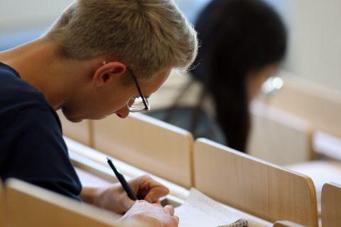 Gute Noten geben Clausthaler Studierende dem Studiengang Wirtschaftsingenieurwesen. Foto: Möldner