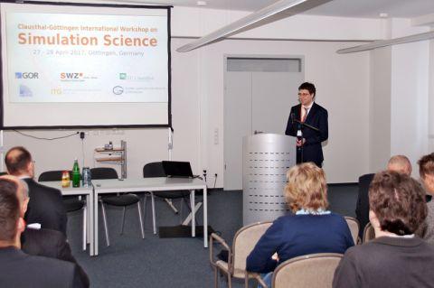 """Die Organisation der Konferenz """"International Workshop on Simulation Science"""" lag federführend in den Händen von Professor Marcus Baum (rechts).  Foto: Alexander Herzog"""