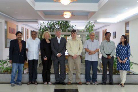 Professor Dietmar Möller (4.v.l.) und Susanne Romanowski (3.v.l.) verfestigten die Kontakte zu indischen Partnern.