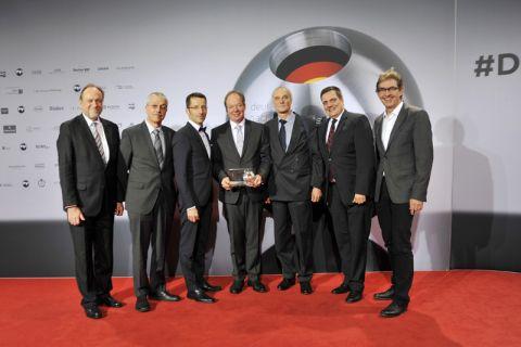 Präsident Prof. Thomas Hanschke (TUC) und das Team (v.l.): Prof. Robert Kreuzig, Prof. Uwe Schröder (beide Braunschweig), Prof. Michael Sievers (CUTEC), Prof. Ulrich Kunz (TUC), Dr. Thorsten Hickmann (Eisenhuth), Prof. Harald Horn (Karlsruhe). Foto: Ernst