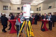 Innovative Messtechnologien - im Bild ein 3D-Laserscanner - standen im Mittelpunkt auf der Tagung Geomonitoring in der Aula der TU. Je besser das Geomonitoring, umso geringer fallen die negativen Auswirkungen von Bodenbewegungen aus. Foto: Ernst