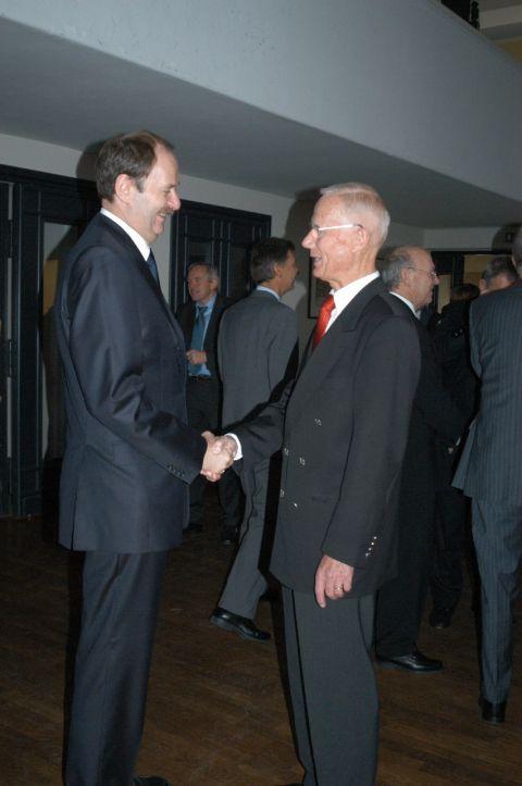 Prof. Reinicke mit Herrn Dr. Gerd Schaumberg (ehem. Leiter der Bohrmeisterschule in Celle)