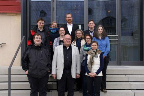 Professor Oliver Langefeld (vordere Reihe, Mitte) übergab die Zertifikate an Lehrende der TU Clausthal. Foto: ZHD